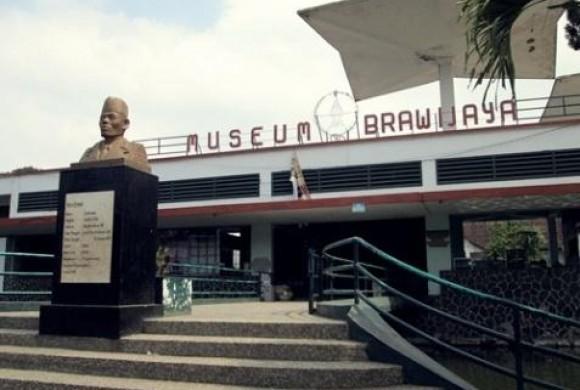 Tempat Angker Rumah Dunia Museum Brawijaya Www Tempatangker Kab Malang