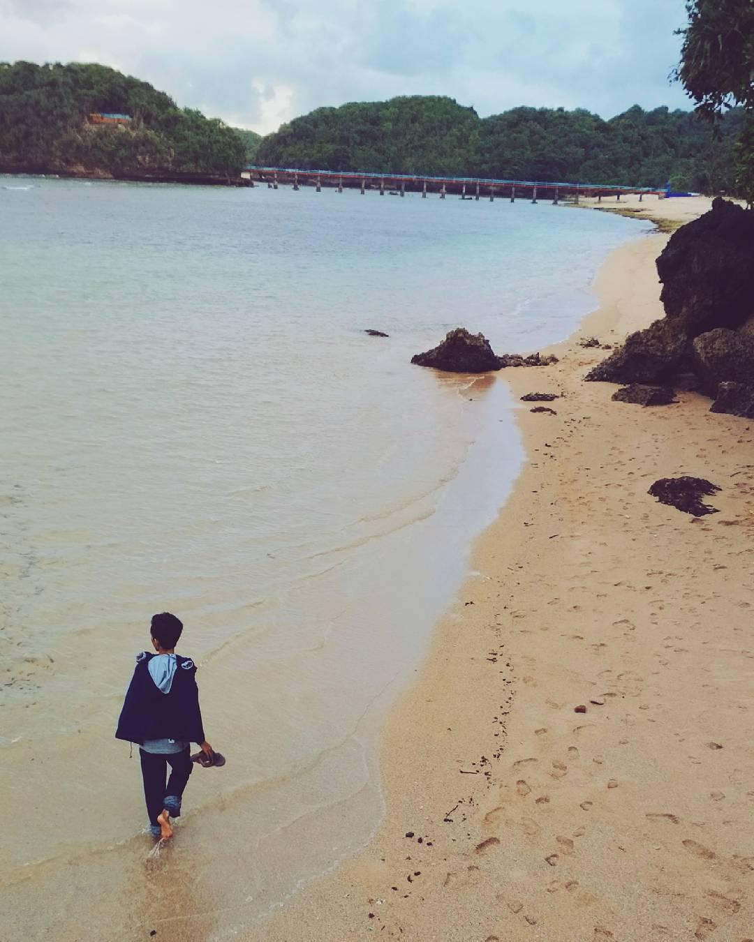 10 Kegiatan Seru Pantai Balekambang Kabupaten Malang Menyusuri Dolan Dolen
