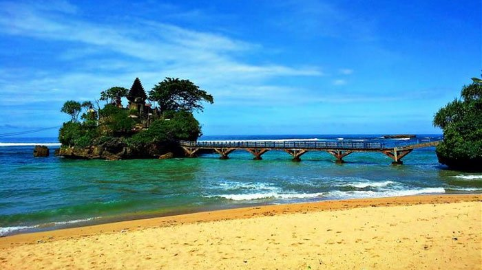 300 Pendekar Psht Bersihkan Sampah Plastik Pantai Balekambang Kab Malang