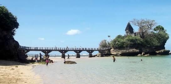 Dasar Kenaikan Tiket Pantai Balekambang Dianggap Pungli Menjadi Polemik Gara