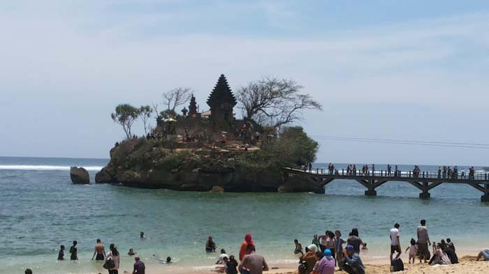 Dikabarkan Salat Musala Pantai Balekambang Malang Bayar Karcis Jawaban Tegas