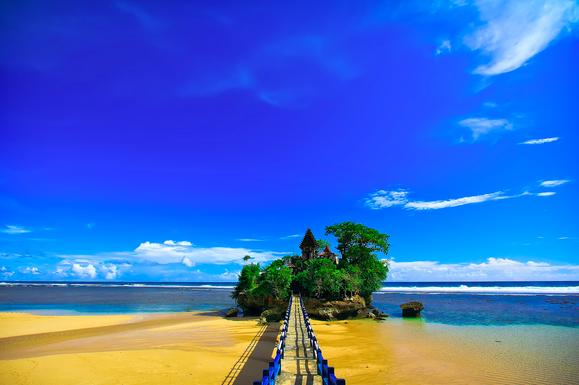 Mitos Sejarah Pantai Balekambang Malang Kab