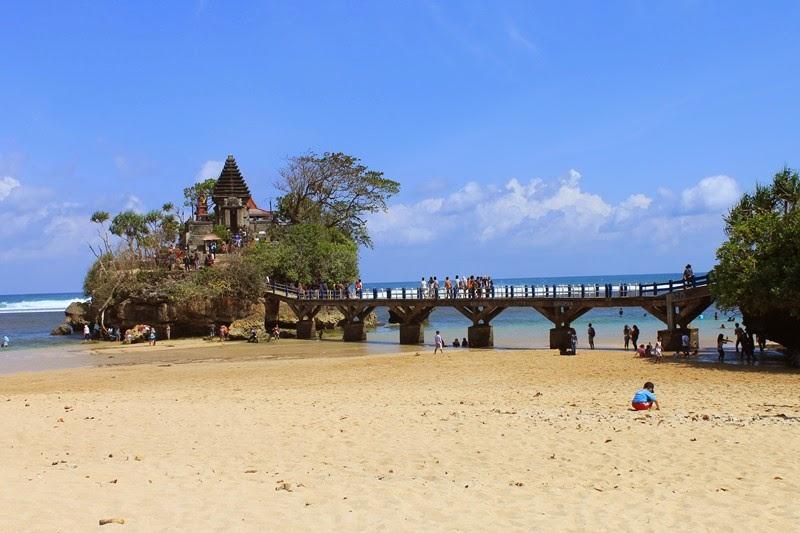 Pantai Balekambang Malang Kipa Salah Satu Ratusan Indah Kabupaten Lokasinya