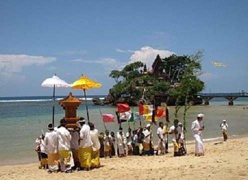 Pantai Balekambang Tanah Lot Ala Malang Wisata Jatim Upacara Adat