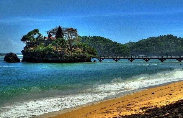 Wisata 3 Tempat Malang Bisa Buat Pasangan Berpisah Mitos Pantai