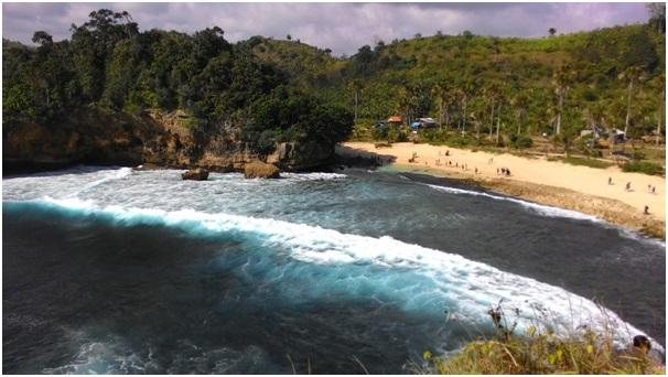 1001 Pantai Malang Raya 81 Batu Bengkung Ngalamlop Info Gwaul