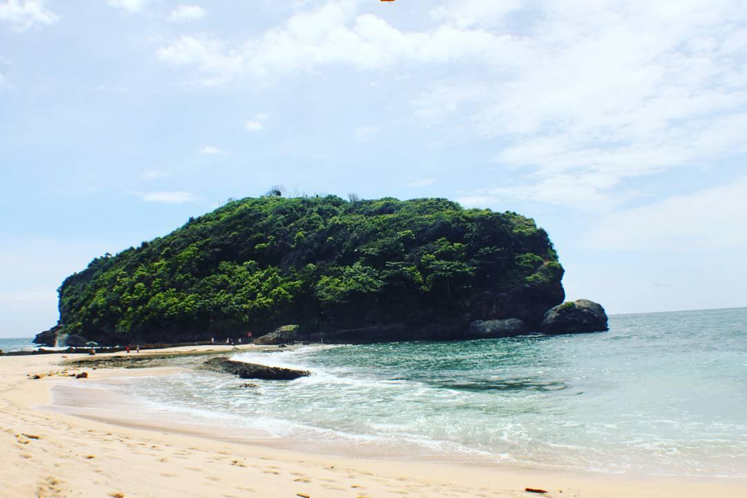 Berburu Indahnya Senja Pantai Batu Bengkung Malang 1 Bekung Kab