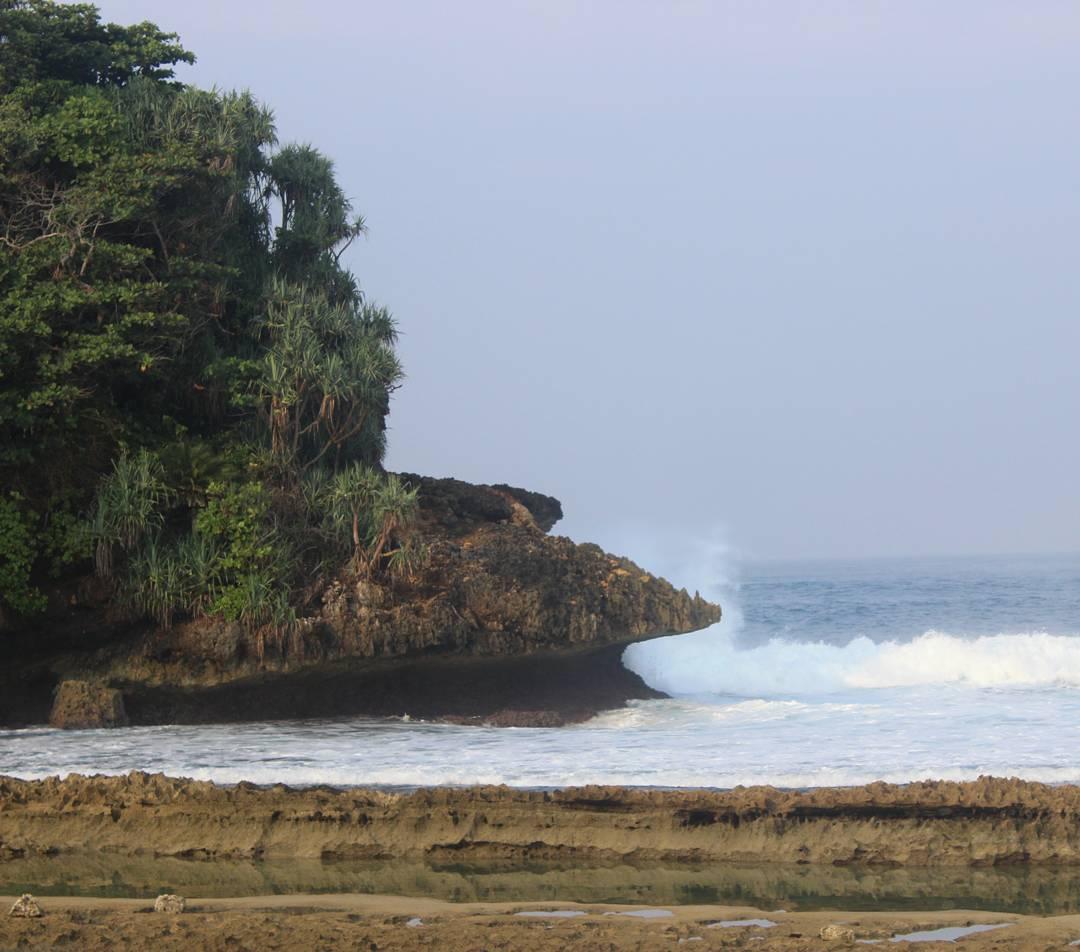 Berkas Pantai Batu Bengkung Terletak Pesisir Selatan Kabupaten Malang Bekung
