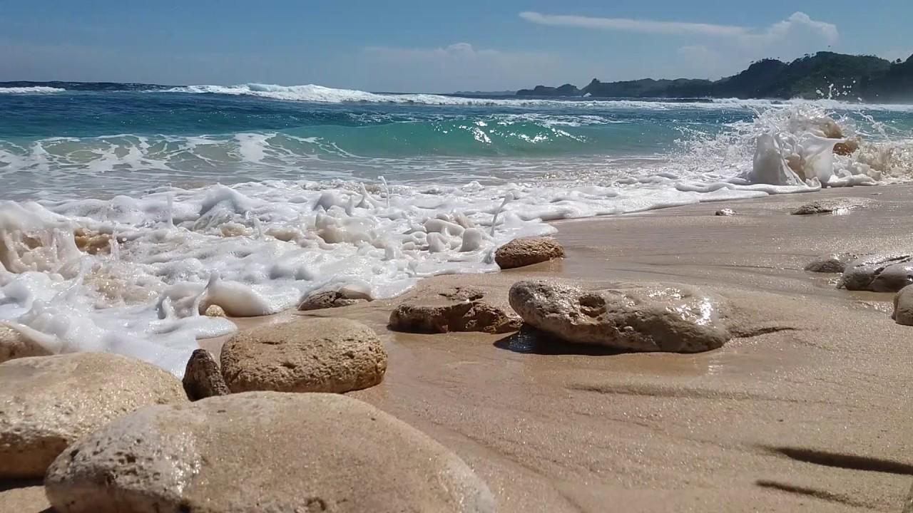 Desiran Ombak Pantai Batu Bengkung Malang Youtube Bekung Kab