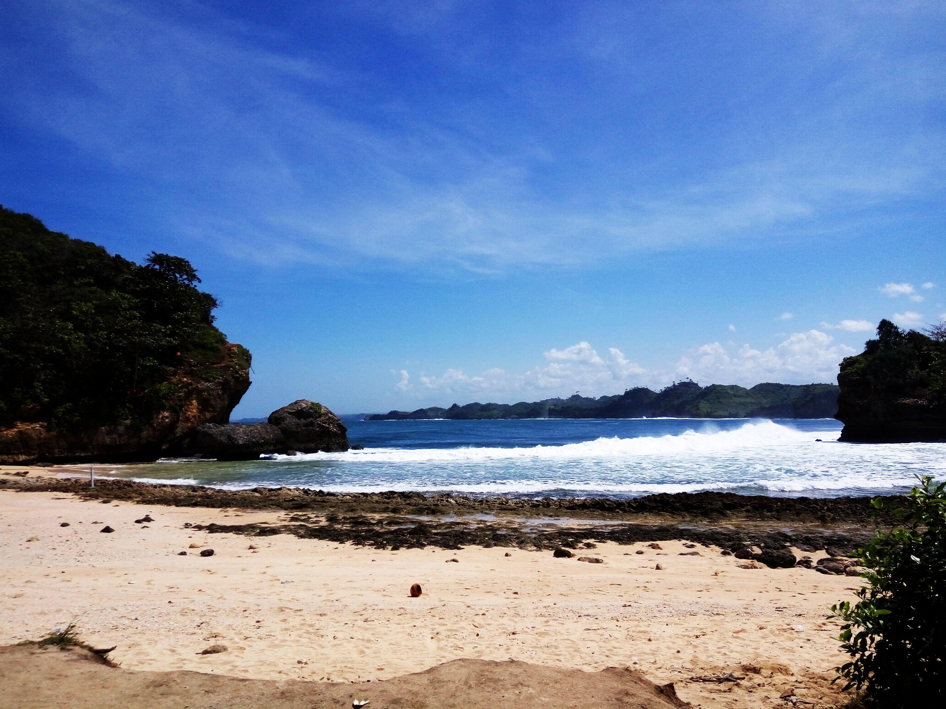 File Pantai Batu Bengkung Jpg Wikimedia Commons Bekung Kab Malang