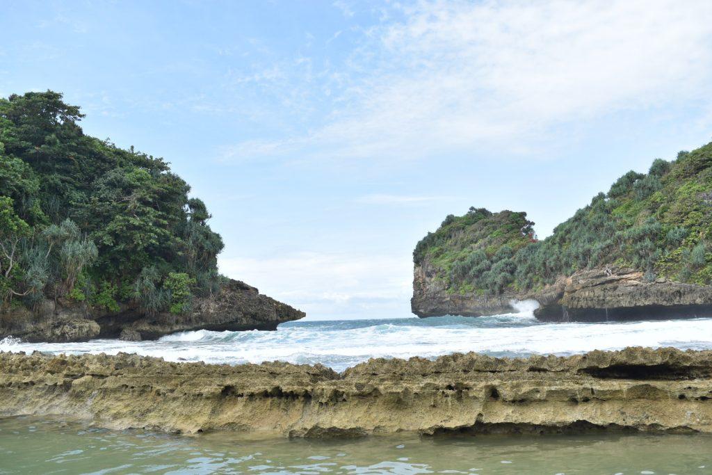 Indo Trans Travel Pantai Batu Bengkung Malang Bekung Kab