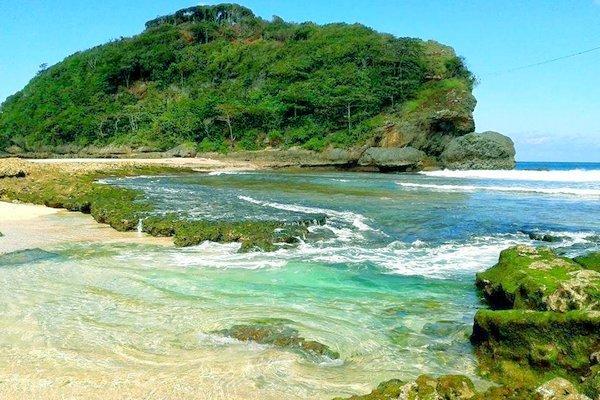 Paket Wisata Pantai Selatan Malang Harga Terjangkau Batu Bengkung Bekung