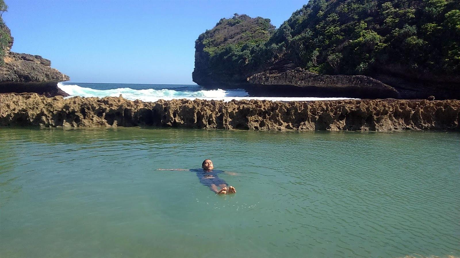 Pantai Batu Bengkung Kolam Renang Alaminya Langkah Kecilku Alami Bekung