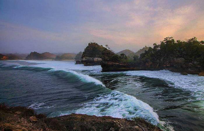 Pantai Batu Bengkung Malang Aktivitas Fasilitas Tiket Rute Maps Galeri