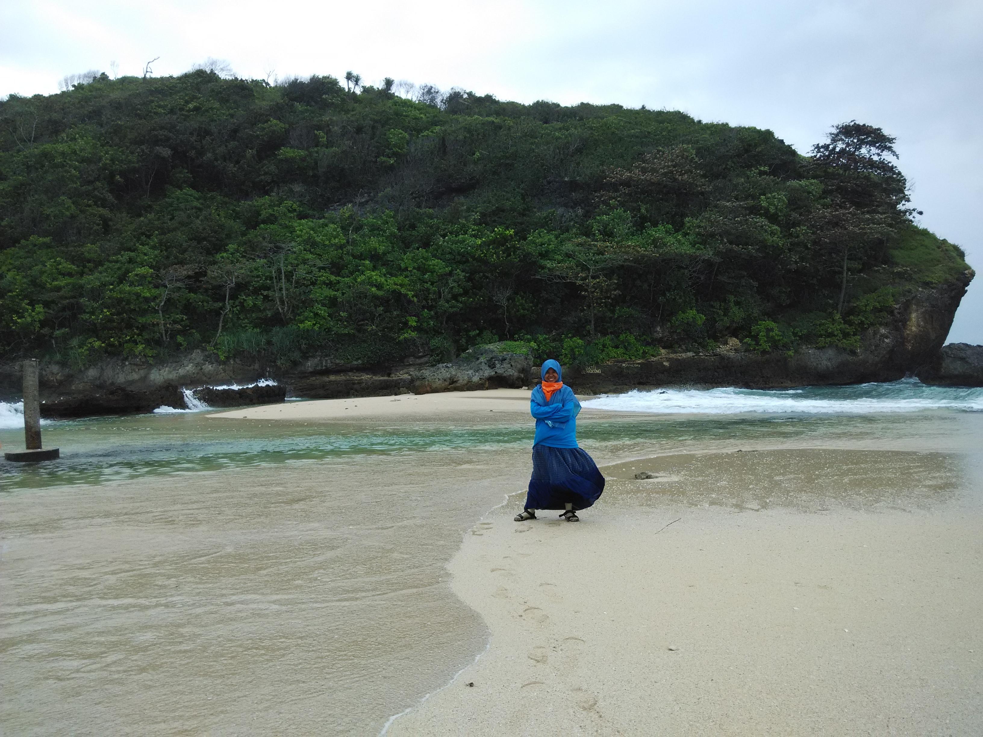 Pantai Batu Bengkung Malang Rinda Wahyuni Img 20150606 094119 095337