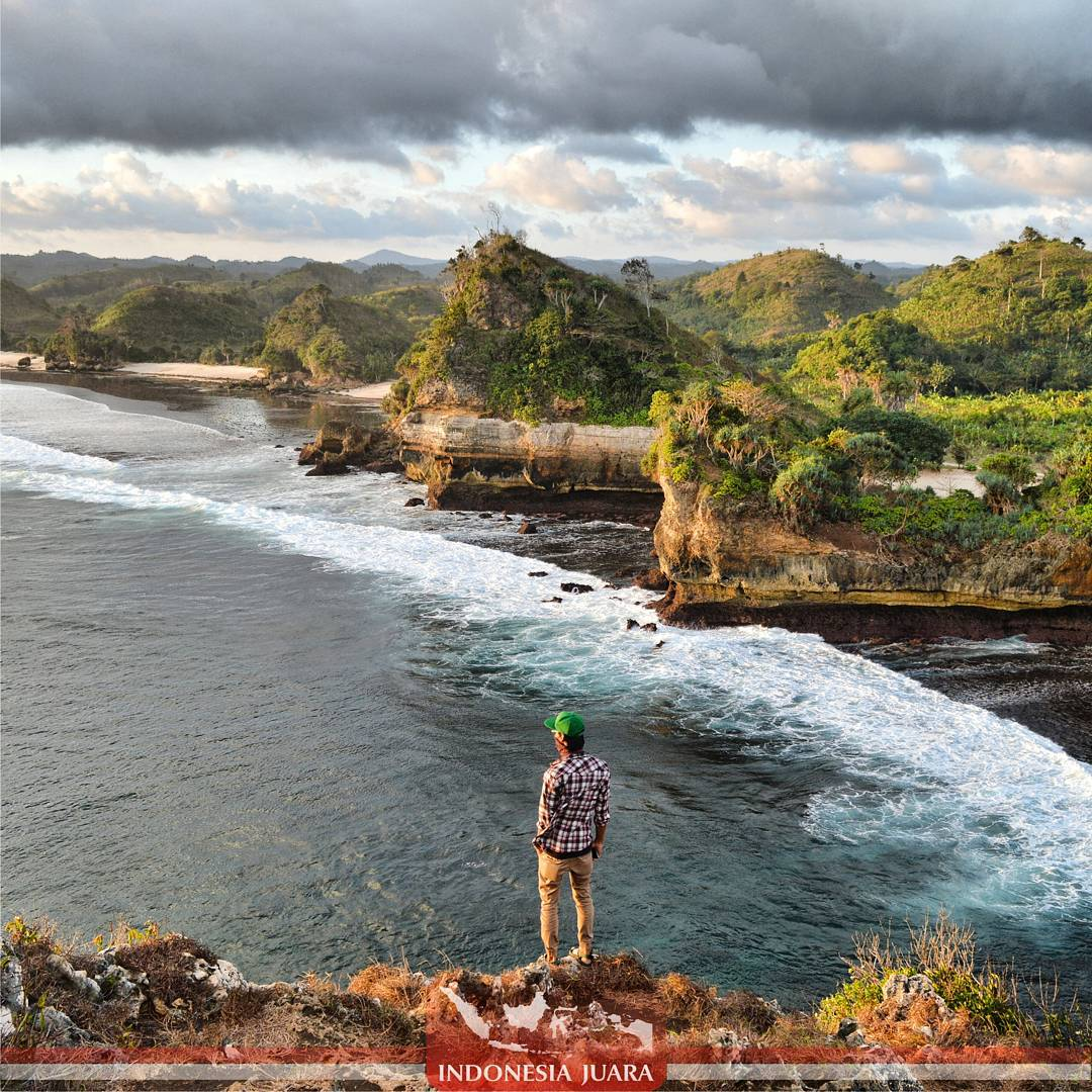 Wijapuccino Pantai Bengkung Dikenal Sebagai Batu Secara Administratif Berada Desa