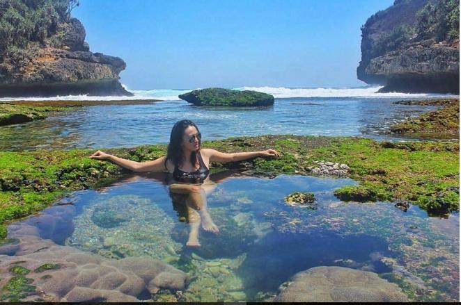 Wisata Kolam Renang Alami Pantai Batu Bengkung Merahputih Bekung Kab
