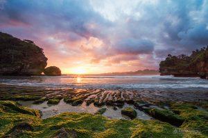 Wisata Pantai Batu Bengkung Malang Bekung Kab