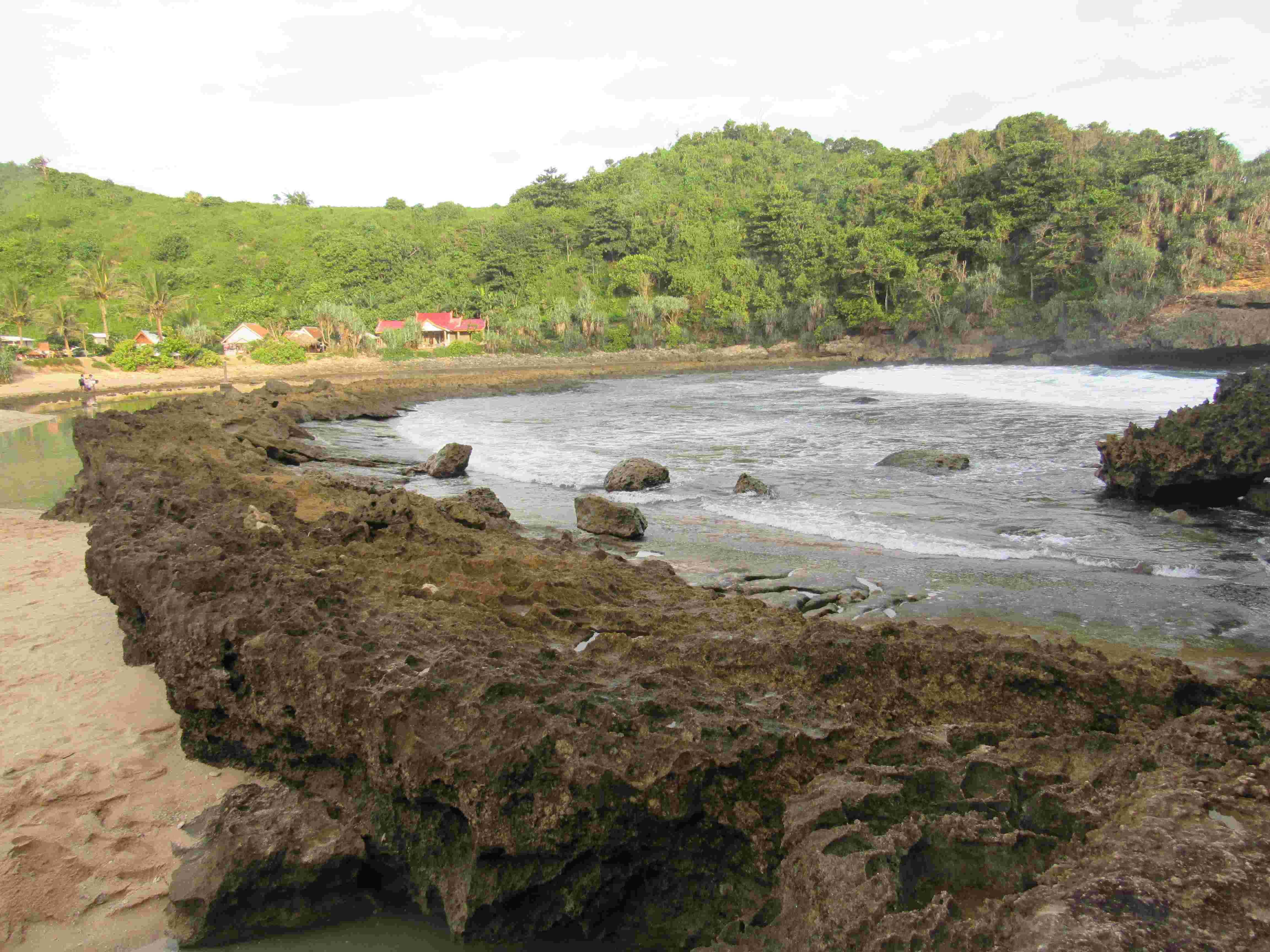 Wisata Pantai Batu Bengkung Malang Eksotis Mengunjungi 3 Bekung Kab