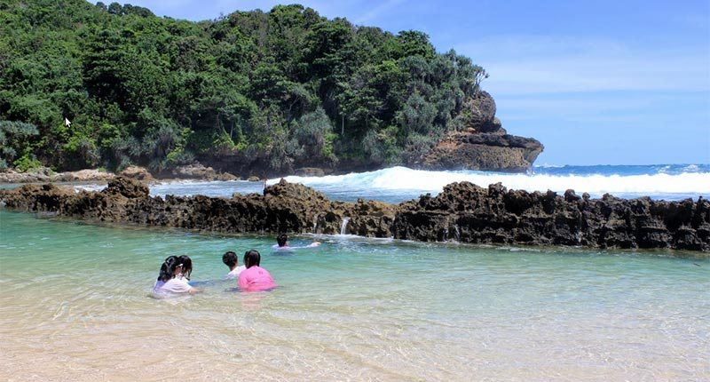 Wisata Pantai Batu Bengkung Malang Jawa Timur Journeymankc Bekung Kab