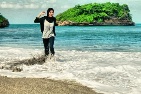 5 Wisata Pantai Malang Wajib Dikunjungi Bali Backpacker Goa Cina