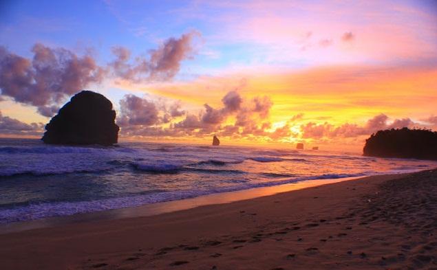 Goa China Beach Popular Natural Beauty Malang Pantai Cina Kab