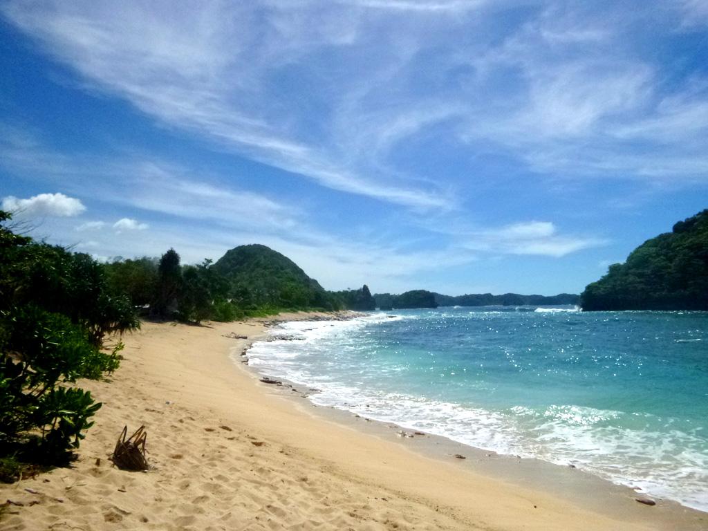 Islam Indah Pantai Goa Cina Kab Malang