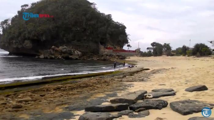 Menikmati Pesona Pantai Goa Cina Malang Selatan Tribunnews Akses Menuju