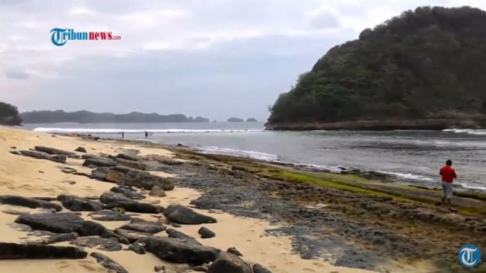 Menikmati Pesona Pantai Goa Cina Malang Selatan Tribunnews Lokasi Bernama