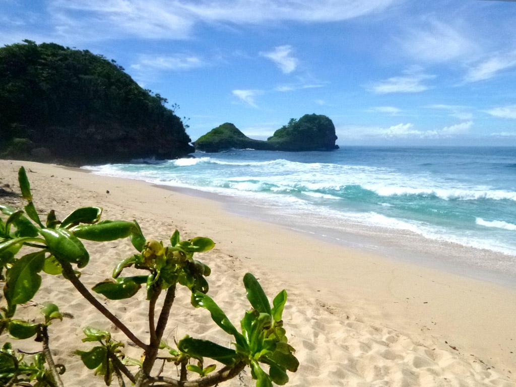 Pantai Goa China Eksotisme Malang Selatan Gita Wisata Cina Kab