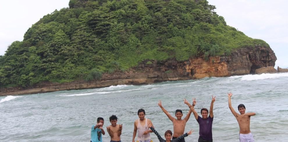 Pantai Goa Cina Batuholiday Berada Dusun Tumpak Awu Sitiarjo Sumbermanjing