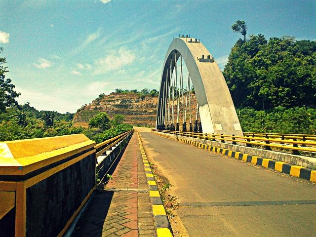 Pantai Goa Cina Malang Dingin Panas Freedom Story Kun Image