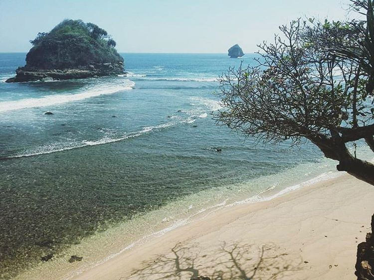 Pantai Sumenggung Pathukan Lokasi Dusun Tum Flickr Kecamatan Sumbermanjing Tumpak