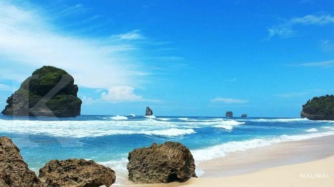 Pesona Pantai Bajul Mati Sihir Goa Cina Kab Malang