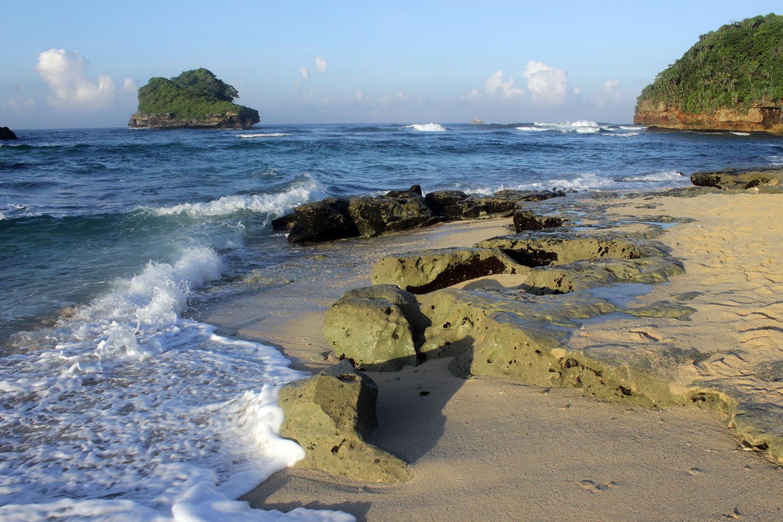 Pesona Sunrise Indah Pantai Goa Cina Malang Ulinulin Kab