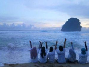 Pesona Sunrise Pantai Goa Cina Malang Selatan Sejarah Jalan Menuju