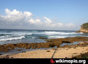 Jonggring Saloka Pantai Saloko Kab Malang