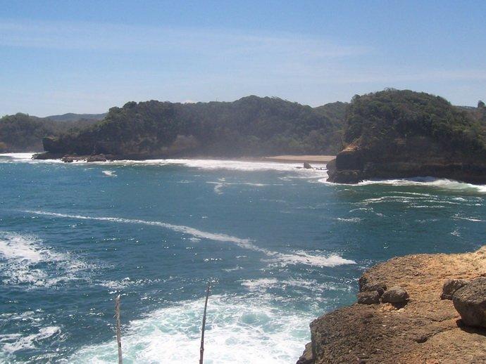 Pantai Jonggring Saloko Ixotrans Satu Jarang Didatangi Wisatawan Berada Desa