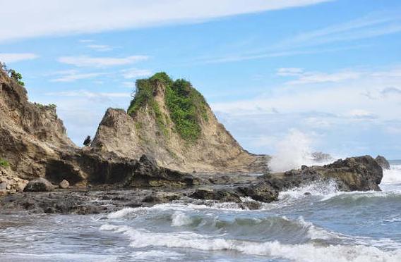Pantai Jonggring Saloko Malang Terkenal Panorama Wisata Pos Loket Kab