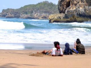 Pantai Jonggring Saloko Sepi Tak Bertuan Selatan Malang Ternyata Nama