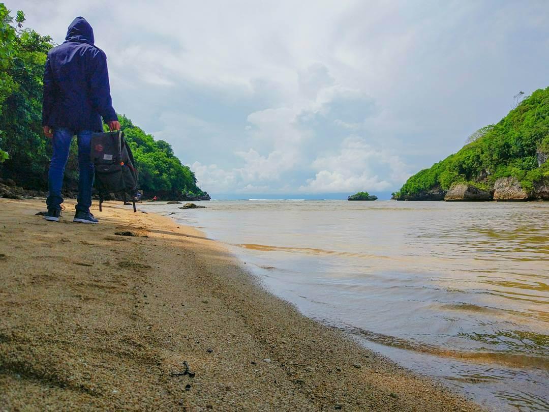 130 Tempat Wisata Malang Batu Sekitarnya Wajib Dikunjungi Pantai Clungup
