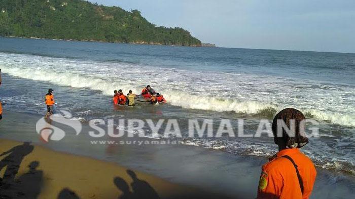 3 Pantai Berbahaya Kabupaten Malang Surya Kaliapus Kab