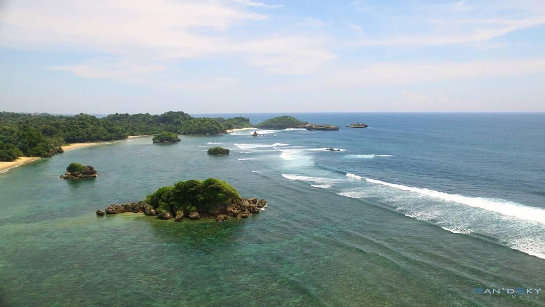 6 Pantai Favorit Generasi Milenial Malang Banyu Meneng Kabupaten Dolan