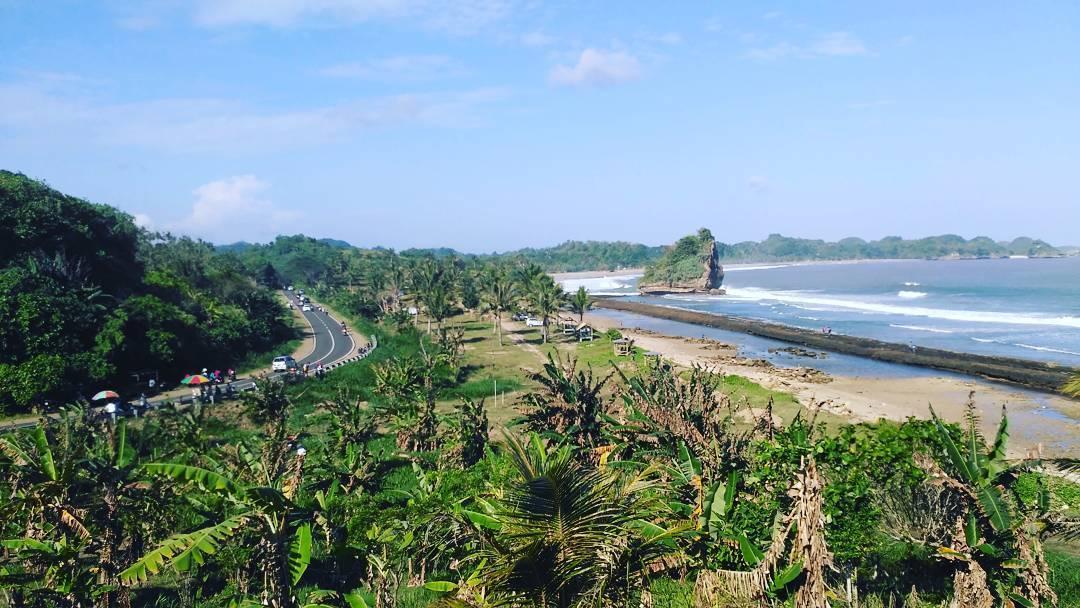 6 Pantai Favorit Generasi Milenial Malang Parang Dowo Kabupaten Dolan