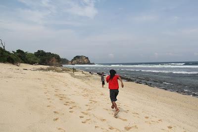 Backpacker Malang Raya Pantai Gandol Alas Nggandol Kaliapus Kab