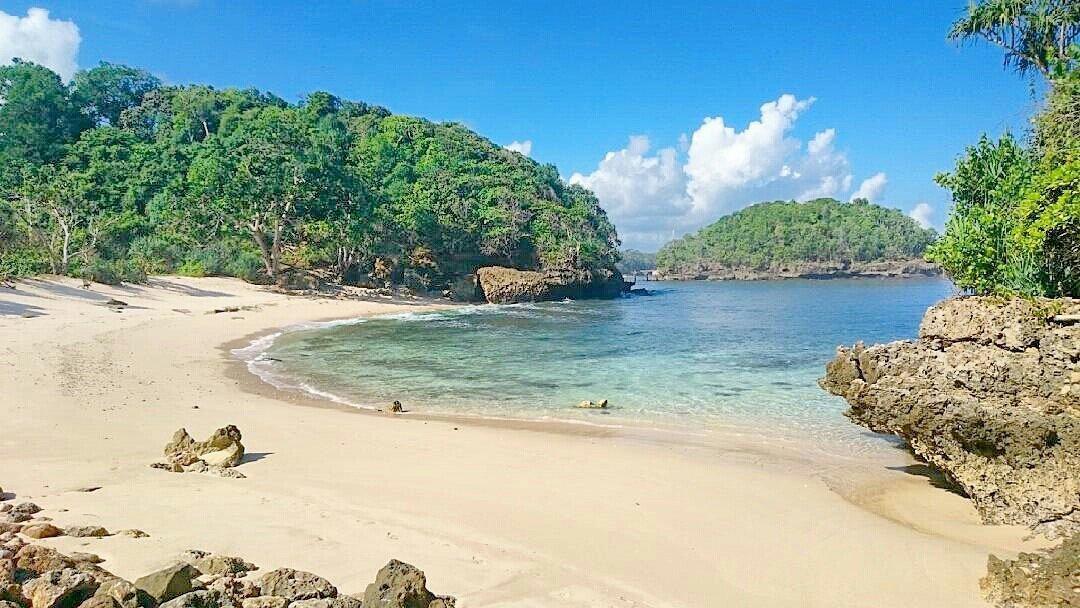 Destinasi Wisata Bahari Pantai Apus Kota Malang Kaliapus Kab