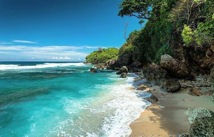 Keeksotisan Pantai Savan Wisata Malang Adanya Pemandangan Indah Udara Sejuk