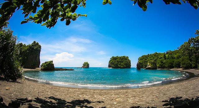 Pantai Licin Malang Raya Letak Dusun Desa Lebakharjo Kecamatan Ampelgading