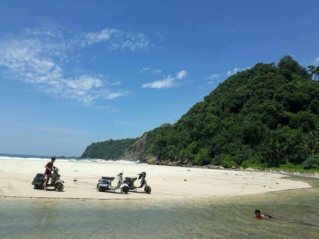 10 Pesona Pesisir Pantai Modangan Malang Udah Tau Dolaners Bersenang