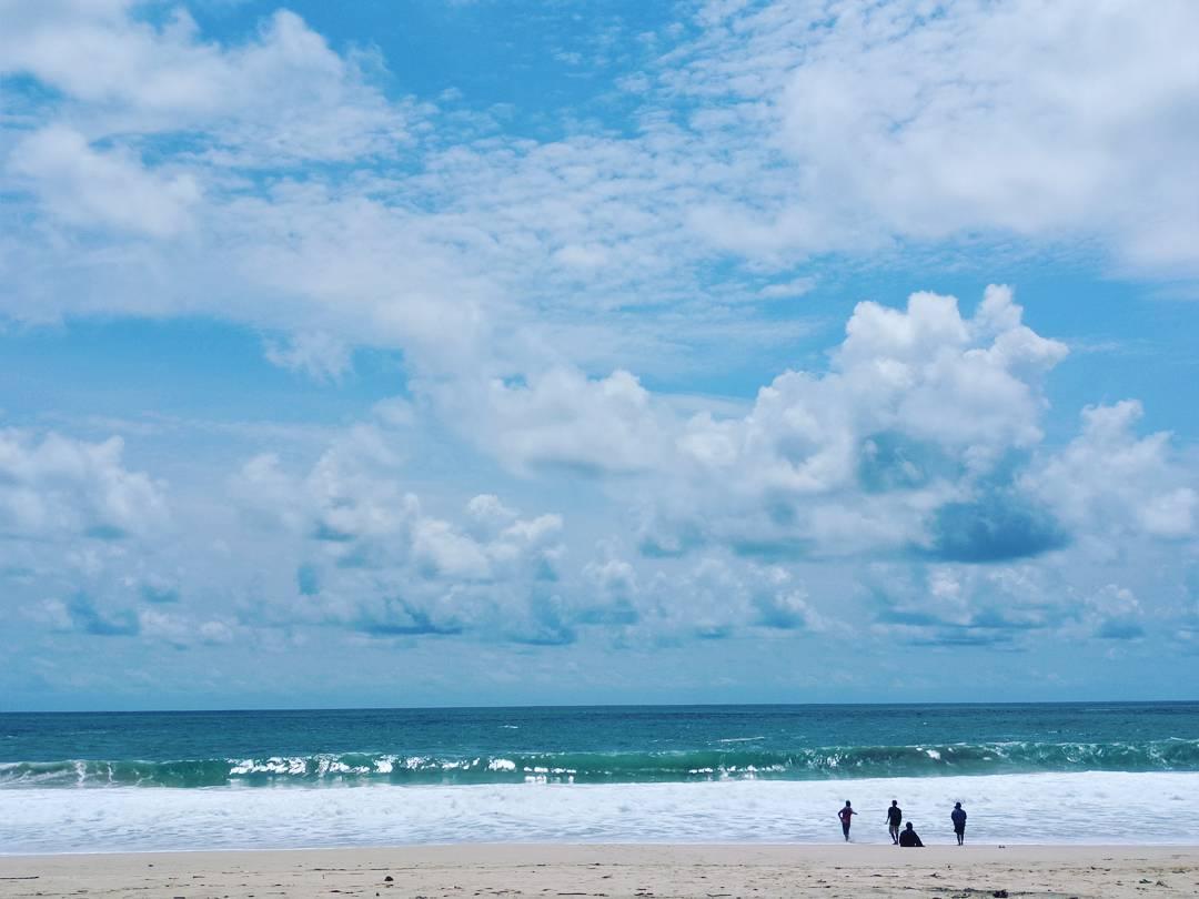 10 Pesona Pesisir Pantai Modangan Malang Udah Tau Dolaners Birunya
